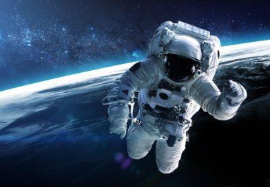 保護中: 宇宙にあなたのビジョンを書いたポストカードを届けることができるジョフペゾスが出資しているサービス(必要交換コイン数1)